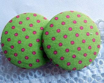 Green fabric with polka dots, 40 mm in diameter