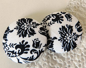 Black and white flowery fabric button, 40 mm / 1.57 in