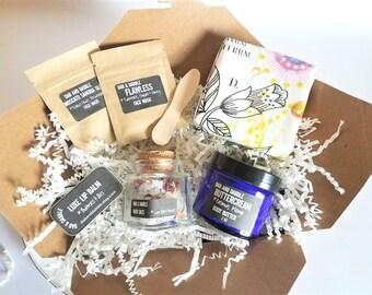 Spa Gift Box with Bath Salts, Body Cream, Facial Masks, Soap and Lip Balm