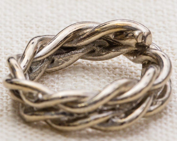 Silver Twisted Metal Vintage Ring Unique Rope Design US Womens Size 7 7RI
