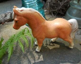 Vintage 1950s to 1960s Retro Light Brown/Tan /White Mane Porcelain Horse/Pony Figurine Small Equestrian Decor Display