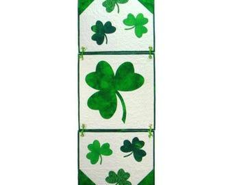 St. Patrick's Pattern, Quilt Pattern, Shamrock Table Runner Pattern, Applique Pattern , Wall Hanging, Shamrock Banner Pattern, PATTERN ONLY