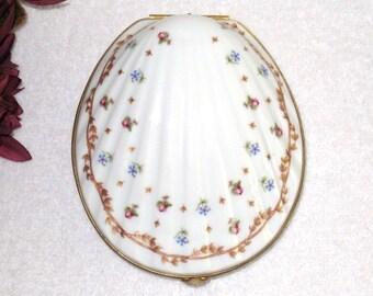 Haviland France Porcelain Trinket Box, Vieux Sèvres Pattern, Seashell Shaped Keepsake Box, 5 1/2 x 4 1/2 x 2 3/4, Cottage Chic Vanity Box