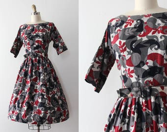 vintage 1950s dress // 50s cotton day dress with belt