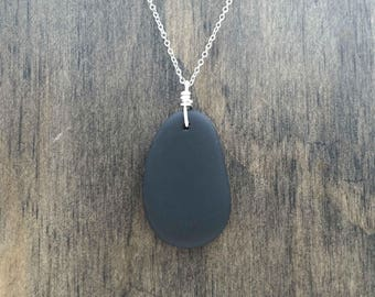 Black Beach Glass Aromatherapy Necklace Essential Oil Diffuser Necklace