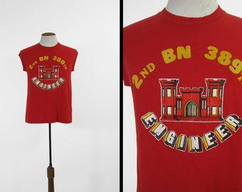 Vintage US Army Tank Top Engineers 2nd BN 389th Red Military Shirt - Medium