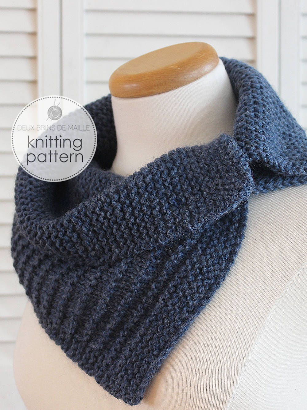 Knitting Accessories Patterns : Knitting pattern scarf with buttons cowl