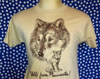 1980's Minnesota wolves t-shirt, fits like a roomy small