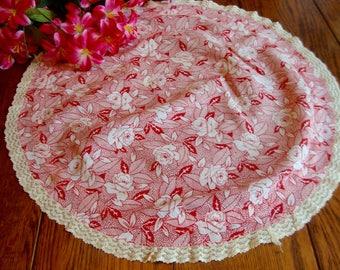 Red Floral Doily Crochet Trim Vintage Round Centerpiece Doily Table Topper