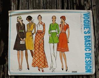 25%off Sizzlin Summer Sal Vogue Basic Design 2686 1970s 70s  Disco Shirtwaist Dress Tunic Pants Vintage Sewing Pattern Size 10 Bust 32.5