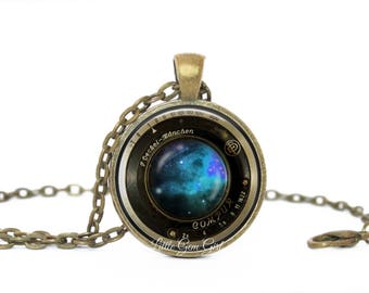 Vintage Camera Lens Necklace Gifts for Photographers 5 Designs & 4 Metal Finishes - Photography Jewelry - Camera Lens Pendant