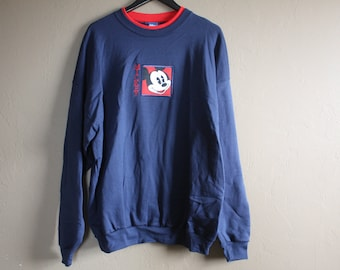 Vintage 1980s / 1990s Navy Blue / Red Collar Disney Mickey Mouse Embroidered Pullover Sweatshirt Size 2X