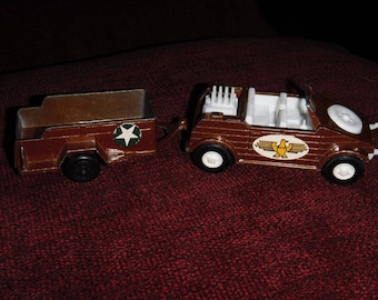 Vintage Tootsietoy Toughs Army / Military Kubelwagen & Trailer Rare