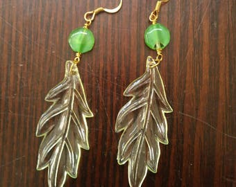 bead green leaves earrings