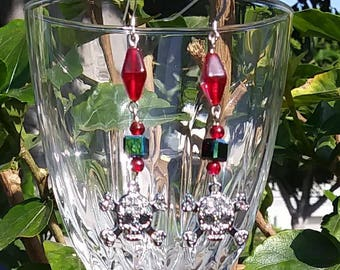 bead earrings red with skulls