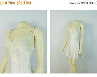B-DAY SALE Vintage Nightgown 90s Victoria's Secret Ivory Chemise Lace Panel Size Large Bridal Lingerie