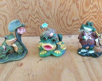 Vintage ceramic frogs, yard art, lawn art, garden decor, garden art