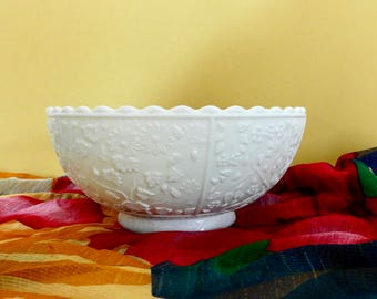 """Challinor and Taylor EAPG Milk Glass """"Tree of Life"""" Bowl"""