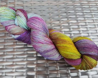 Cut Velvet: 100g hand dyed merino/nylon sock yarn