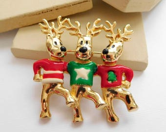 Vintage USA Red Green Enamel Ugly Sweater Reindeer Christmas Brooch Pin D9