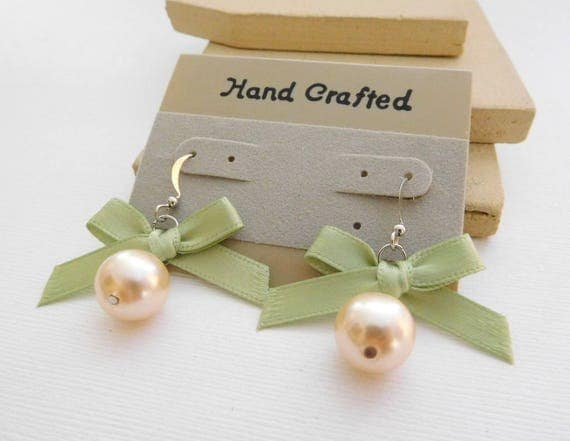 Vintage Hand Crafted Sage Green Ribbon Bow Cream Pearl Bead Dangle Earrings PP41
