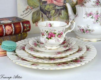 Royal Albert Lavender Rose 5 Pieces Place Setting, Replacement China, Wedding Gift, ca. 1960