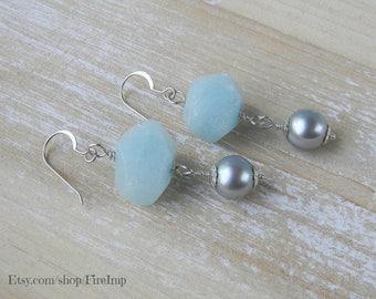 Beach Wedding / Pearl Earrings / Boho Earrings / Beach Jewelry / Wedding Earrings / Beach Earrings / Dangle Earrings / Drop Earrings / Blue
