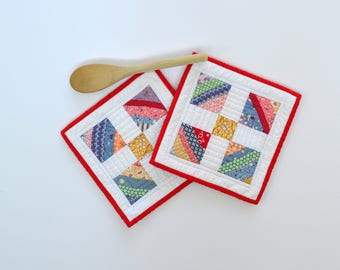 Feed Sack Pot Holders, Quilted Pot Holders, Kitchen Decor, Hot Pads, Hostess Gift, Set of Two