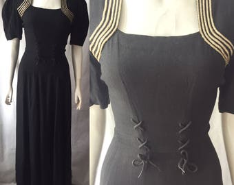 Early 1940s evening gown with laces