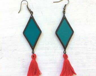 Rhombus earrings with tassels