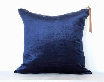 Luxe Velvet Pillow Cover - Navy Combo
