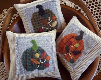 Simply Elegant Plaid Pumpkins Pillow Tuck Bowl Fillers