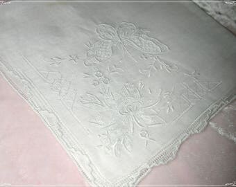 No. 200 ANTIQUE Swiss Cotton Hand Embroidered Handkerchief, Butterfly Embroidery No. 43