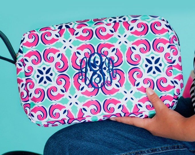 Monogrammed Clutch, Monogram Cosmetic Bag, Bridesmaid Gifts, Graduation Gifts, Makeup Bag, Cosmetic Bag, Group Discounts