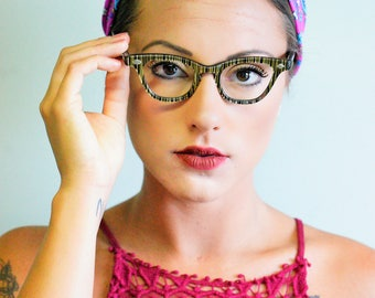 Vintage Cateye Glasses 1960's Black And Gold Frames Striped Pattern Just Beautiful With original case