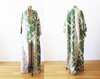 Vintage Japanese Kimono Robe / 1950s Kimono / Silk Kimono / Long Kimono / Green Kimono / Silk Robe / Kimono Jacket