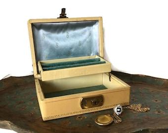 Vintage Jewelry Box Small 1950's Jewelry Box Shabby Cottage Chic Jewelry Storage