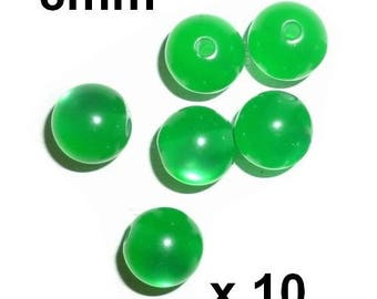 10 pearls 8mm Green round resin cat's eye