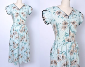 Vintage 1950s Dress 50s Cotton Floral Day Dress