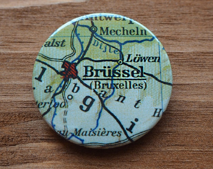 Pinback Button, Brussels, Ø 1.5 Inch Badge, Atlas, Travel, vintage, fun, typography, whimsical