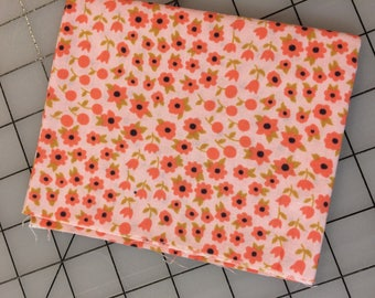 Timeless Treasures - FAT QUARTER cut of Felicity - C4433 - in Blush - tiny coral flowers with gold leaves