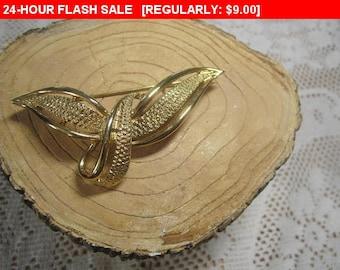 Goldtone brooch, vintage pin brooch, estate jewelry