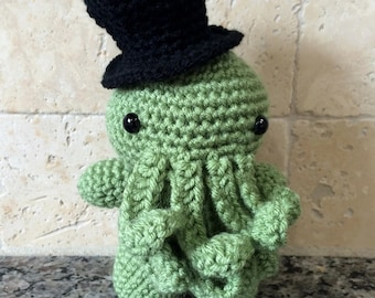 Cthulhu, Top hat Cthulhu, HP Lovecraft Toy, Cthulhu toy, Gift, Classy Cthulhu, HP Lovecraft, Cthulhu amigurumi
