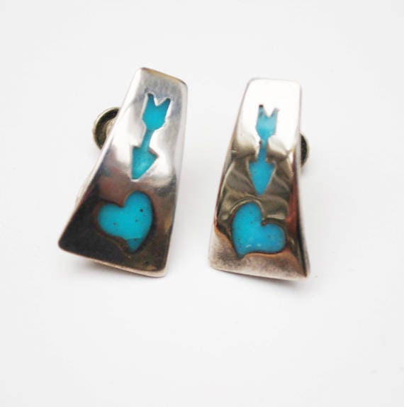 Sterling  Earrings screw back Earrings with Turquoise Blue enamel inlay of an arrow and heart Tribal