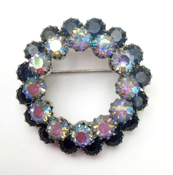 Blue Rhinestone Wreath  Brooch  - mid century - aurora borealis - blue Crystal  Round pin