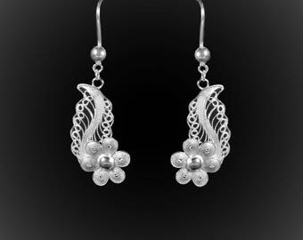 Flower Leaf earrings in silver embroidery