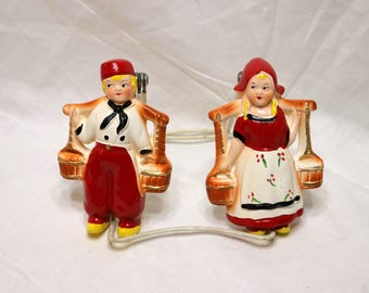 Vintage Chalkware Dutch Boy and Girl - 1950s - Chalkware - Holland - Excellent Condition - Unmarked - Wall Hangers