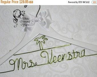 SUMMER SALE Palm Tree Personalized Beach Themed Wedding Bridal Hanger, Destination Wedding Dress Hanger, Personalized Bridal Gift - Wire Nam