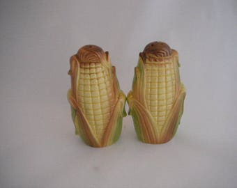 Vintage Corn Cob Salt and Pepper Shakers With Husks
