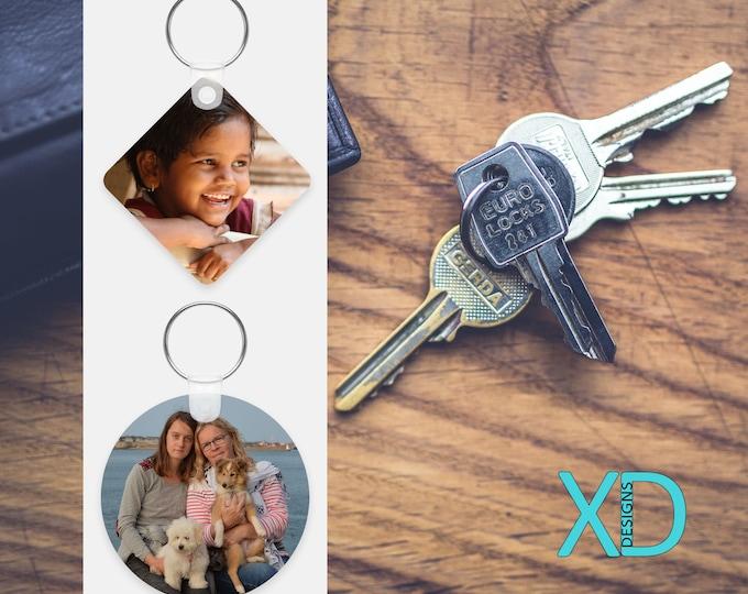 Custom Keychain, Photo Keychain, Picture Keychain, Personalized Keychain, Custom Gift, Round or Diamond, Stocking Stuffer, Monogram Keychain